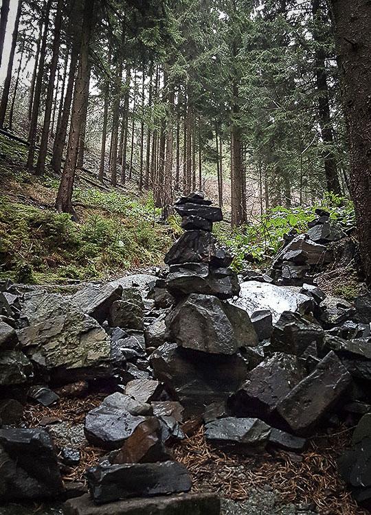 Harz - Steinmännchen im Wald