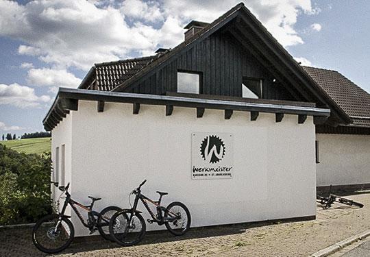 Mountainbike- und Outdoor-Sport-Unterkunft Harz-BnB Werkmeister - Bikegarage außen
