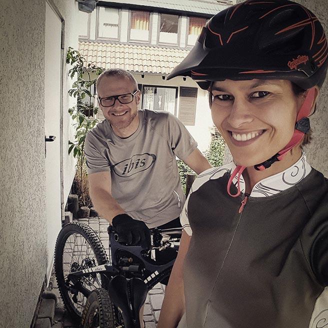 Mountainbike- und Outdoor-Sport-Unterkunft Harz-BnB Werkmeister - Betreiber Alex und Jan mit Bikes